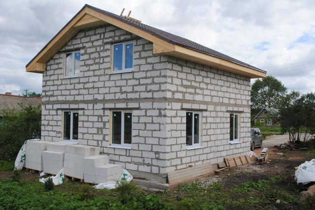 Строим  из газоблока дом